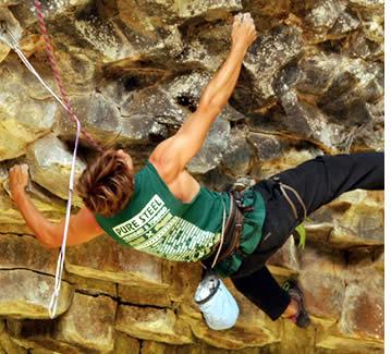 Rotsklimmen in Bajo Mono, Boquete in El Gunko (Los Ladrillos) met verticale Advenutres
